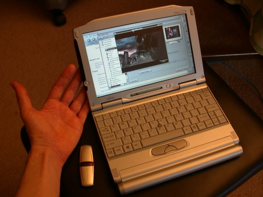 Linux (Mandrake 9 1/Ubuntu Breezy 5 10) on a Fujitsu P1120